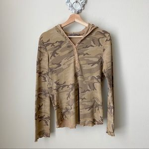 Apt 9 camo hooded pullover